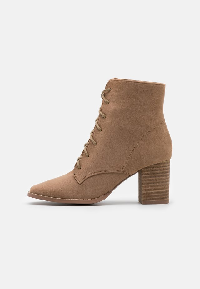 MARCELLE LACE UP - Boots à talons - taupe