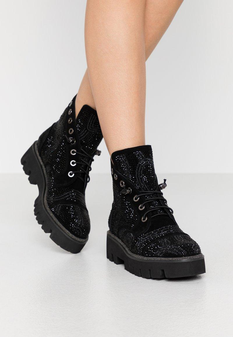 Alma en Pena - Platform ankle boots - black