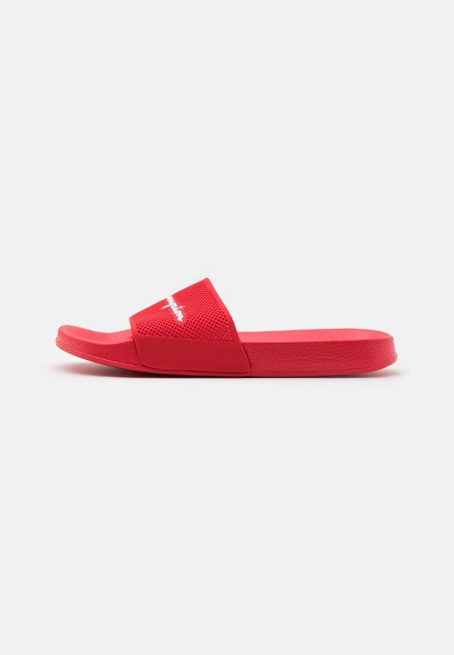 SLIDE DAYTONA - Sandales de bain - red