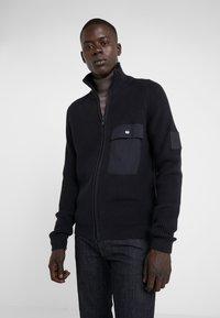 Peak Performance Urban - DOC ZIP - Cardigan - black - 0