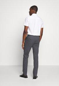 Tommy Hilfiger Tailored - FLEX STRIPE SLIM FIT PANT - Pantalon classique - blue - 2