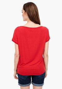 s.Oliver - KURZARM - Basic T-shirt - luminous red - 2