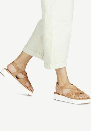 Platform sandals - cognac