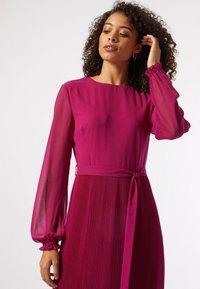 Dorothy Perkins - BILLIE AND BLOSSOM - Robe d'été - pink - 2