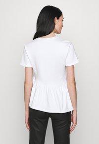 KARL LAGERFELD - RUFFLE - T-shirts print - white - 2