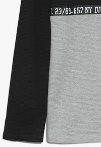 Re-Gen - BOYS LONGSLEEVE - Langærmede T-shirts - black - 2