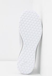 Skechers Sport - SKECH AIR  - Slip-ons - white/silver - 6