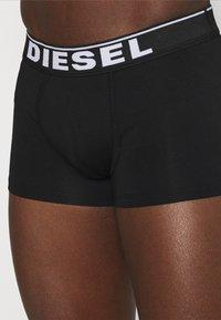 Diesel - DAMIEN 3 PACK - Pants - red/green/black - 4
