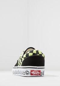 Vans - ERA - Sneakersy niskie - black/sharp green - 3