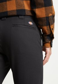 Dickies - SLIM SKINNY WORK PANT - Chino - black - 6