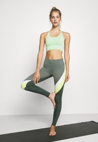 Hunkemöller - Leggings - agave green - 1