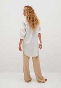 Mango - LONG-A - Button-down blouse - weiß - 2