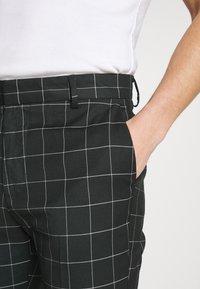 New Look - GRID CROP  - Kalhoty - 38-dark green - 4