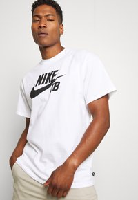 Nike SB - LOGO UNISEX - Printtipaita - white/black - 3
