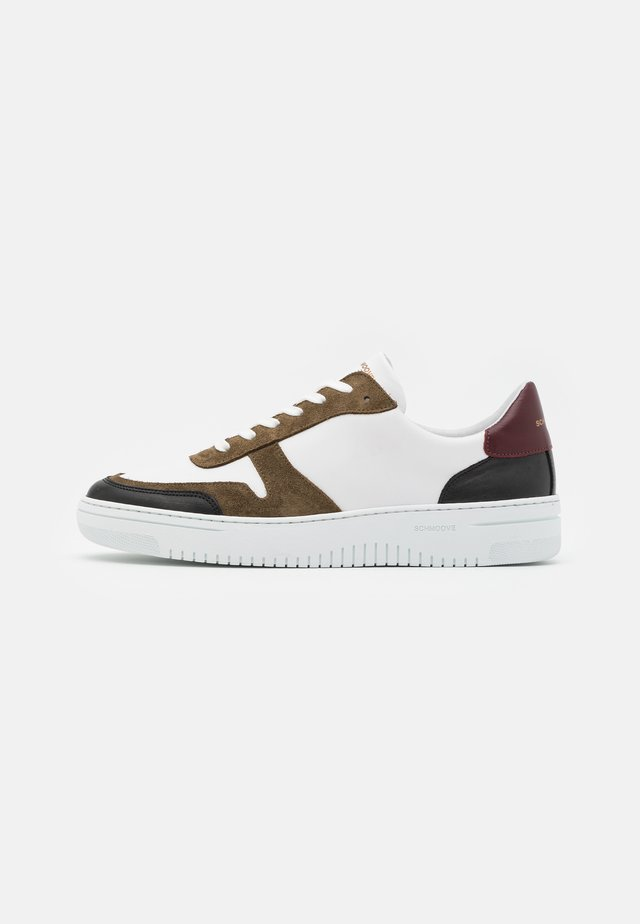 EVOC - Baskets basses - black/bordeaux