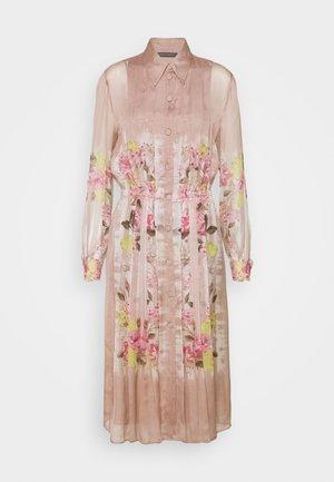 DRESS - Košilové šaty - pink