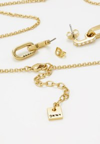 DKNY - PAVE DOUBLE OVAL LINK PENDANT SET - Earrings - gold-coloured - 2