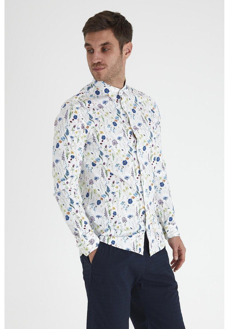 Tailored Originals - Camisa - white