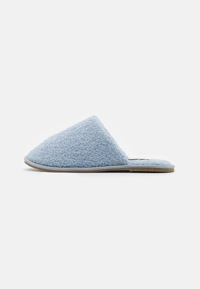 VMIZA SLIPPERS - Slippers - blue