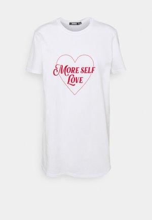 MORE SELF LOVE TEE - Printtipaita - white