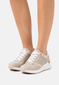 Tata Italia - DIANA - Sneakers laag - gold - 0