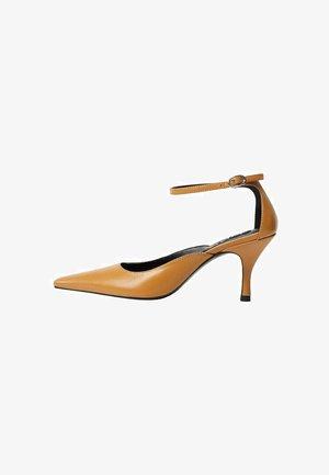 AMY - Classic heels - mittelbraun