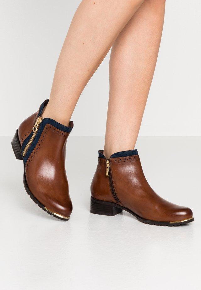 Boots à talons - cognac/ocean