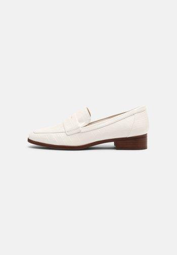 GWIRANI - Slippers - white