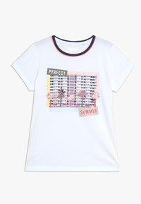 Staccato - TEENAGER - Print T-shirt - soft white - 0
