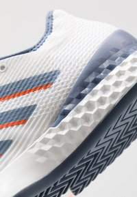 adidas Performance - ADIZERO UBERSONIC 3 - Clay court tennis shoes - footwear white/tech ink/light solid grey - 5