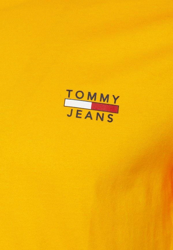 Tommy Jeans CHEST LOGO TEE - T-shirt z nadrukiem - orange/pomarańczowy Odzież Męska JBEZ