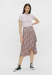 Pieces - Basic T-shirt - orchid bloom - 1