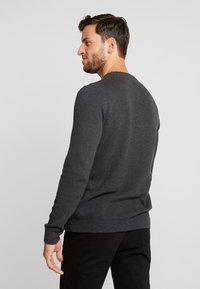 Produkt - PKTHNN  - Sweter - dark grey melange - 2