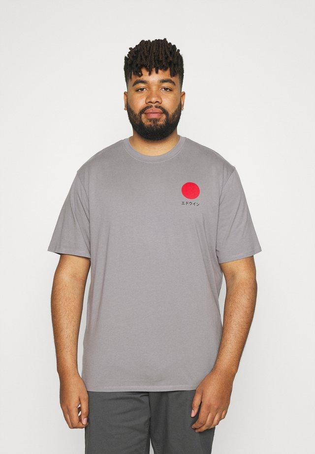 JAPANESE SUN  - Print T-shirt - frost grey