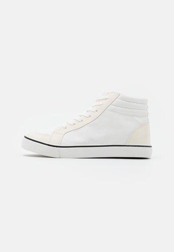 JOEY - Zapatillas altas - white