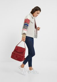 Desigual - CHAQ_CHARLIE - Giacca in pile - white - 1