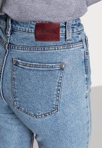 ONLY - ONLEMILY RAW MAE - Straight leg jeans - light blue denim - 5