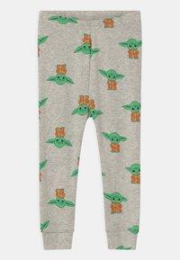 GAP - TODDLER MANDOLORIAN UNISEX - Pyjama set - grey heather - 2