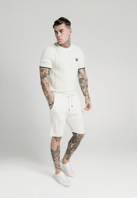 SIKSILK - FITTED TEE - T-shirt imprimé - off white