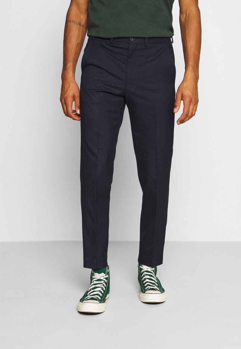 Isaac Dewhirst - PUPPYTOOTH FLAT FRONT TROUSER - Trousers - dark blue