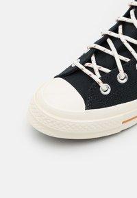 Converse - CHUCK 70 CORK UNISEX  - High-top trainers - black/egret/red bark - 5