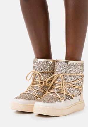 GLITTER - Winter boots - gold