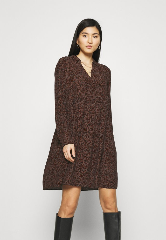 EASY TUNIC DRESS - Day dress - brown