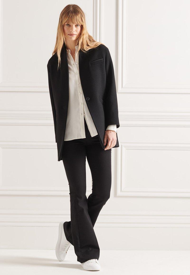 Superdry - Short coat - black