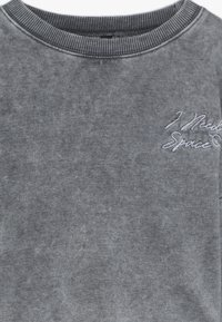 New Look 915 Generation - ACID WASH CROP RAW POCKET LOGO - Sweatshirt - grey - 3