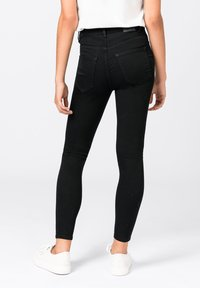 HALLHUBER - ELLA  - Jeans Skinny Fit - black denim - 1
