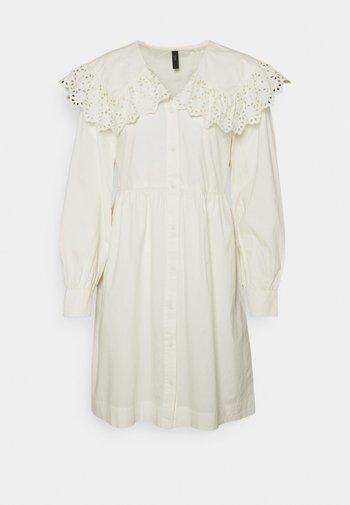YASTIRELLA DRESS - Shirt dress - eggnog