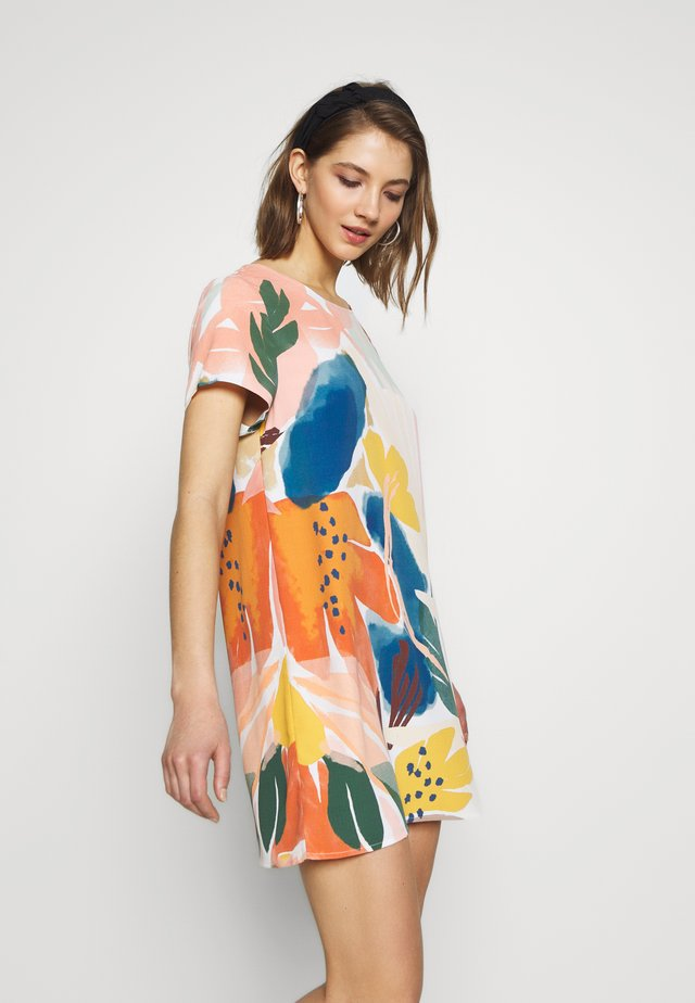 ABSTRACT FOLIAGE TEE DRESS - Korte jurk - multi