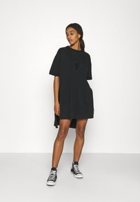 Converse - CHUCK EXTRA LONG EMBROIDERED TEE - Vestido ligero - black - 0