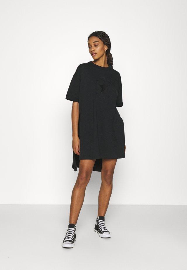 CHUCK EXTRA LONG EMBROIDERED TEE - Sukienka z dżerseju - black